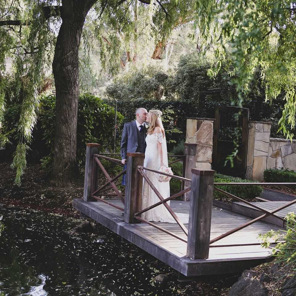 candid-captures-wedding-photography-11