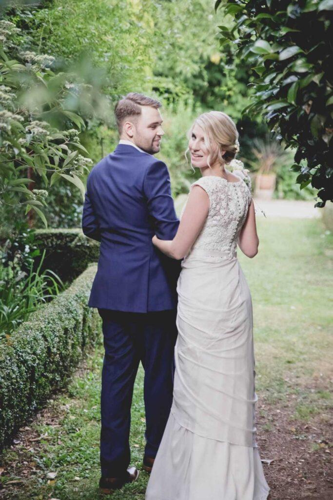 candid-captures-wedding-photography-12